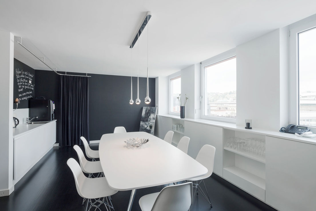 URBAN OFFICES Raum Explorer Kitchen